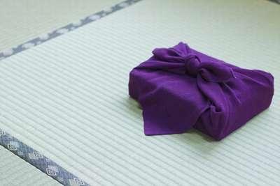 150501_ochugen_okuttehaikenaimono_tatami_hurosiki