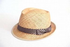 夏場の紫外線を頭皮に浴びるとハゲる?守るには帽子?日焼け止め?