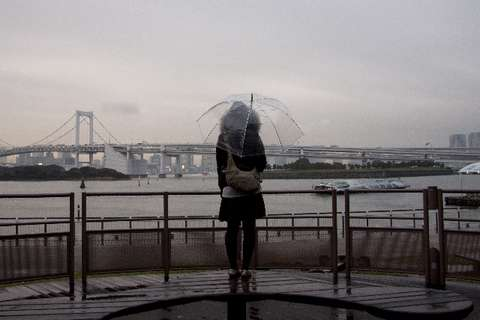 150630_rainbowbridge_ame_bini-rugasa_tsuyuake_kantoukousin