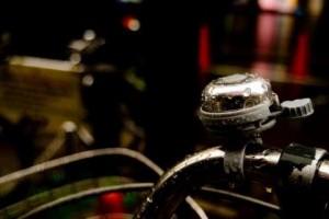 自転車の傘固定スタンドさすべぇの使用は控えろ?違反なのか違うのか?