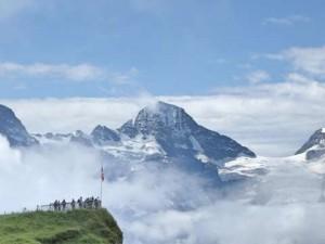 山小屋アルバイトは住み込み!山の運び屋歩荷!登山ツアーガイド