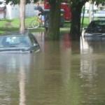 車が水没したら保険は効くの?廃車?修理可能?浸水時の走行方法