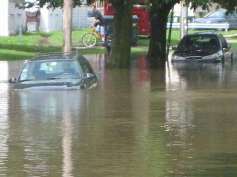 DeKalb_Il_Kishwaukee_River_Flood21