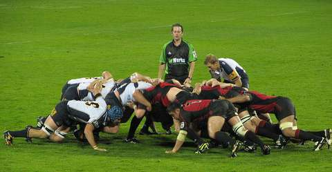 151006_rugby_scrum
