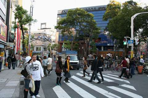 151015_sinsaibasi_americamura_sankakukouen_mitsukouen