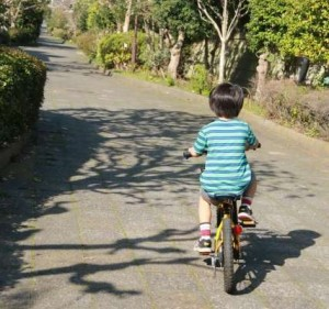 子供のコマなし自転車練習法はコレがポイント|何歳から?