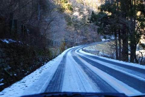 151023_nagano_yukimichi_studless-tire
