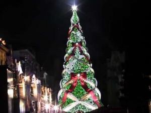 大阪の2大BigクリスマスツリーはUSJと梅田スカイビルに!!