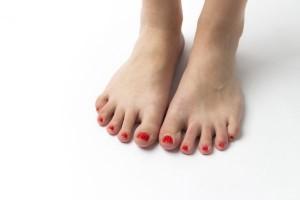 子供の足の小指が浮いている!浮き指とは?治すにはどうすればいい?