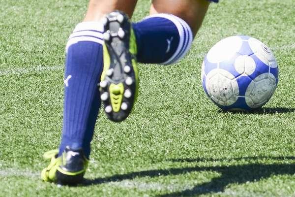 160908_soccer_spike