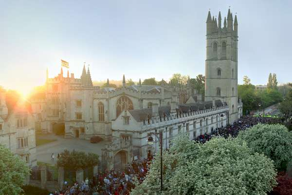 160923_university-of-oxford_magdalen-may-morning