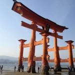 厳島神社の大鳥居は海に浸かって腐食しないの?潮の干満|宮島グルメ