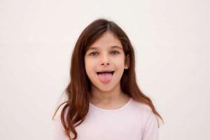 異常が見られない子どもの舌先の痺れにはこんな原因も!診療科は?