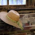 その麦わら帽子の素材は何?指定外繊維?ストロー?ペーパー?パナマ?